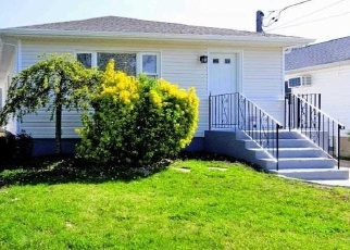 Foreclosed Home in Massapequa 11758 N DELAWARE AVE - Property ID: 4334449229