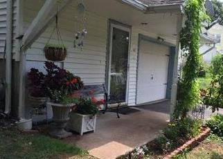 Foreclosed Home in Hamden 06518 COLONY ST - Property ID: 4334795230