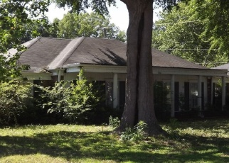 Foreclosed Home in Memphis 38116 BOEINGSHIRE DR - Property ID: 4335027805