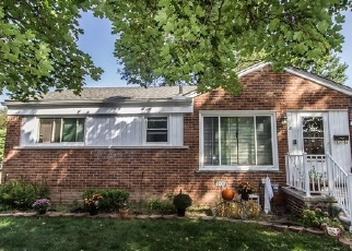 Foreclosed Home in Livonia 48150 MINTON ST - Property ID: 4335056261