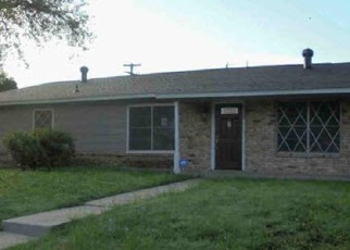 Foreclosed Home in San Antonio 78227 REMUDA DR - Property ID: 4335128534