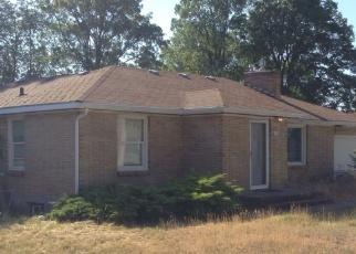 Foreclosed Home in Spokane 99206 N LOCUST RD - Property ID: 4335270437