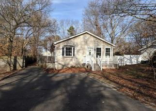 Foreclosed Home in Shirley 11967 CARLTON DR E - Property ID: 4335536731