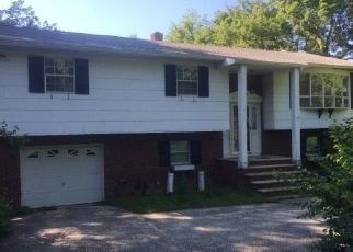 Foreclosed Home in Highland Lakes 07422 LEE DR - Property ID: 4335573512