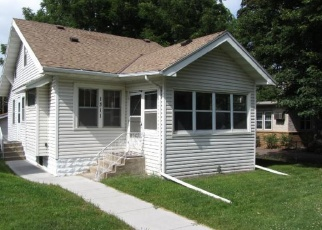 Foreclosed Home in Saint Paul 55106 BURNS AVE - Property ID: 4335590598