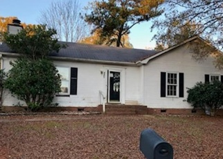 Foreclosed Home in Charlotte 28227 CARRIAGEWAY LN - Property ID: 4335601546