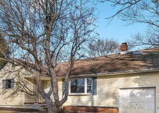 Foreclosed Home in Holmdel 07733 OLD MANOR RD - Property ID: 4335765795