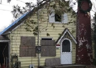 Foreclosed Home in Huntington Station 11746 4TH AVE - Property ID: 4335999215