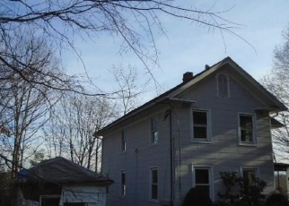 Foreclosed Home in Wallingford 06492 CLINTON PL - Property ID: 4336034256