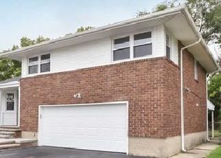 Foreclosed Home in Hicksville 11801 FUCHIA LN - Property ID: 4336060539