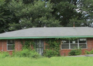 Foreclosed Home in Memphis 38109 WHITE CLOVER LN - Property ID: 4336086826