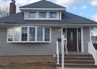 Foreclosed Home in Baldwin 11510 LINCOLN ST - Property ID: 4336117480