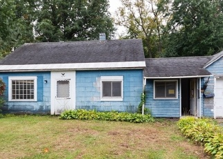 Foreclosed Home in Schenectady 12303 OUTER DR - Property ID: 4336159519