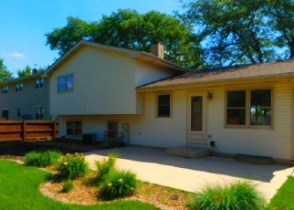 Foreclosed Home in Carol Stream 60188 BOONE DR - Property ID: 4336239231