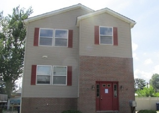 Foreclosed Home in Maple Shade 08052 CHERRY AVE - Property ID: 4336287858
