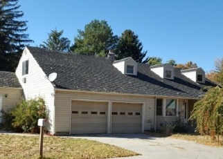 Foreclosed Home in Gooding 83330 MICHIGAN ST - Property ID: 4336370635