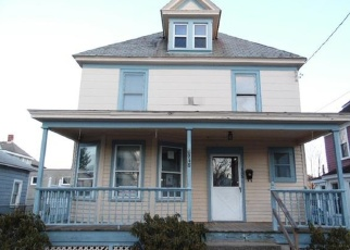 Foreclosed Home in Schenectady 12309 LIVINGSTON AVE - Property ID: 4336423625