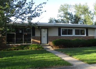 Foreclosed Home in Chicago Heights 60411 SCHILLING AVE - Property ID: 4336470930