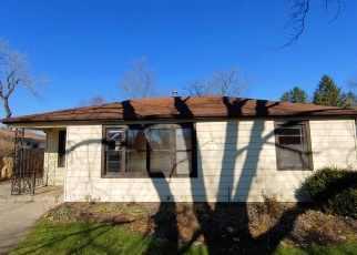 Foreclosed Home in Palatine 60067 W HELEN RD - Property ID: 4336620264