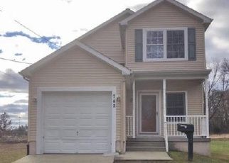 Foreclosed Home in Magnolia 08049 E EVESHAM AVE - Property ID: 4336652683