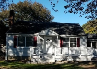 Foreclosed Home in Bohemia 11716 CENTRAL AVE - Property ID: 4336683333