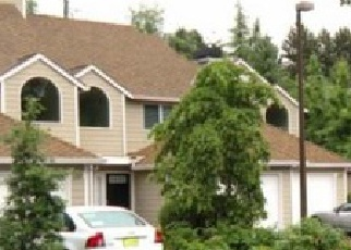 Foreclosed Home in Lake Oswego 97035 CARMAN DR - Property ID: 4336692984
