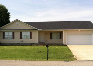 Foreclosed Home in Oakfield 38362 FIELDDALE DR - Property ID: 4336719248