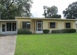 Foreclosed Home in Jacksonville 32217 SUWANEE RD - Property ID: 4336750797