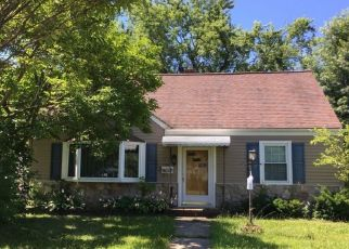 Foreclosed Home in Somerville 08876 PUTNAM ST - Property ID: 4336791525