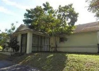 Foreclosed Home in Homestead 33033 SW 285TH TER - Property ID: 4336809477
