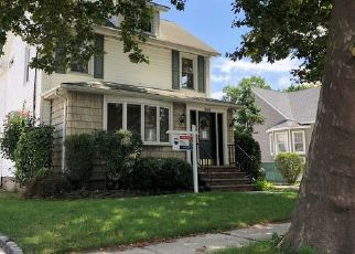Foreclosed Home in Lynbrook 11563 DENTON AVE - Property ID: 4336854586