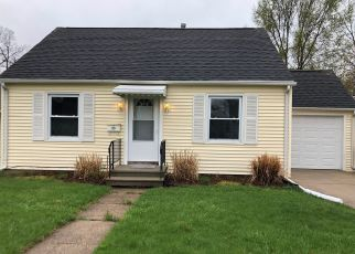 Foreclosed Home in Battle Creek 49015 SURBY AVE - Property ID: 4336999561
