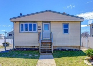 Foreclosed Home in Oceanside 11572 ALICE AVE - Property ID: 4337022329