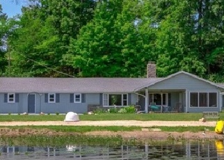 Foreclosed Home in Three Rivers 49093 COON HOLLOW RD - Property ID: 4337117365