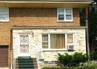 Foreclosed Home in Chicago 60649 E 77TH ST - Property ID: 4337156800