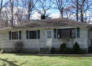Foreclosed Home in Central Islip 11722 WILSON BLVD - Property ID: 4337175625