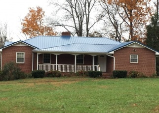 Foreclosed Home in Winston Salem 27105 DAVIS RD - Property ID: 4337224679
