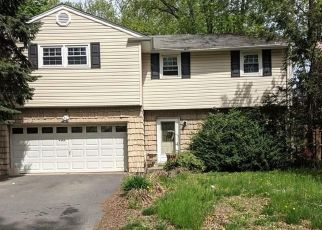 Foreclosed Home in East Brunswick 08816 SUSSEX RD - Property ID: 4337277677