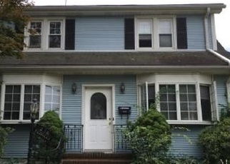 Foreclosed Home in New Milford 07646 MILFORD AVE - Property ID: 4337345104