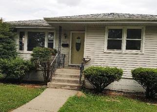 Foreclosed Home in Lansing 60438 COMMUNITY ST - Property ID: 4337355179