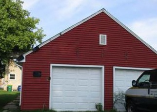 Foreclosed Home in Green Bay 54304 S MAPLE AVE - Property ID: 4337363517