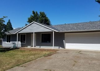 Foreclosed Home in Oregon City 97045 LELAND RD - Property ID: 4337381921