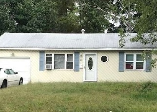 Foreclosed Home in Central Islip 11722 ASH ST - Property ID: 4337433590