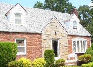 Foreclosed Home in Hempstead 11550 E MARSHALL ST - Property ID: 4337559732