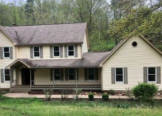 Foreclosed Home in Charleston 25313 DOC BAILEY RD - Property ID: 4337662203