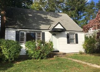 Foreclosed Home in New Britain 06053 PERSHING AVE - Property ID: 4337794484