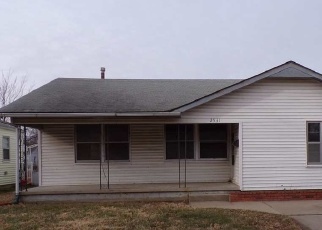 Foreclosed Home in Wichita 67216 S VICTORIA AVE - Property ID: 4337796679