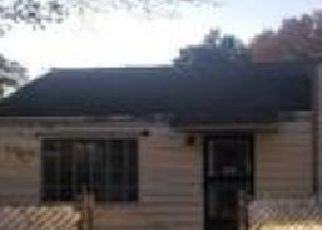 Foreclosed Home in Memphis 38108 LUVERNE ST - Property ID: 4337803681