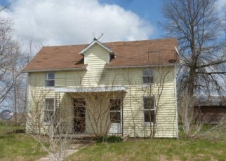 Foreclosed Home in Nashville 62263 LIVESAY ST - Property ID: 4337810242