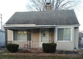 Foreclosed Home in Harper Woods 48225 ROSCOMMON ST - Property ID: 4337826903